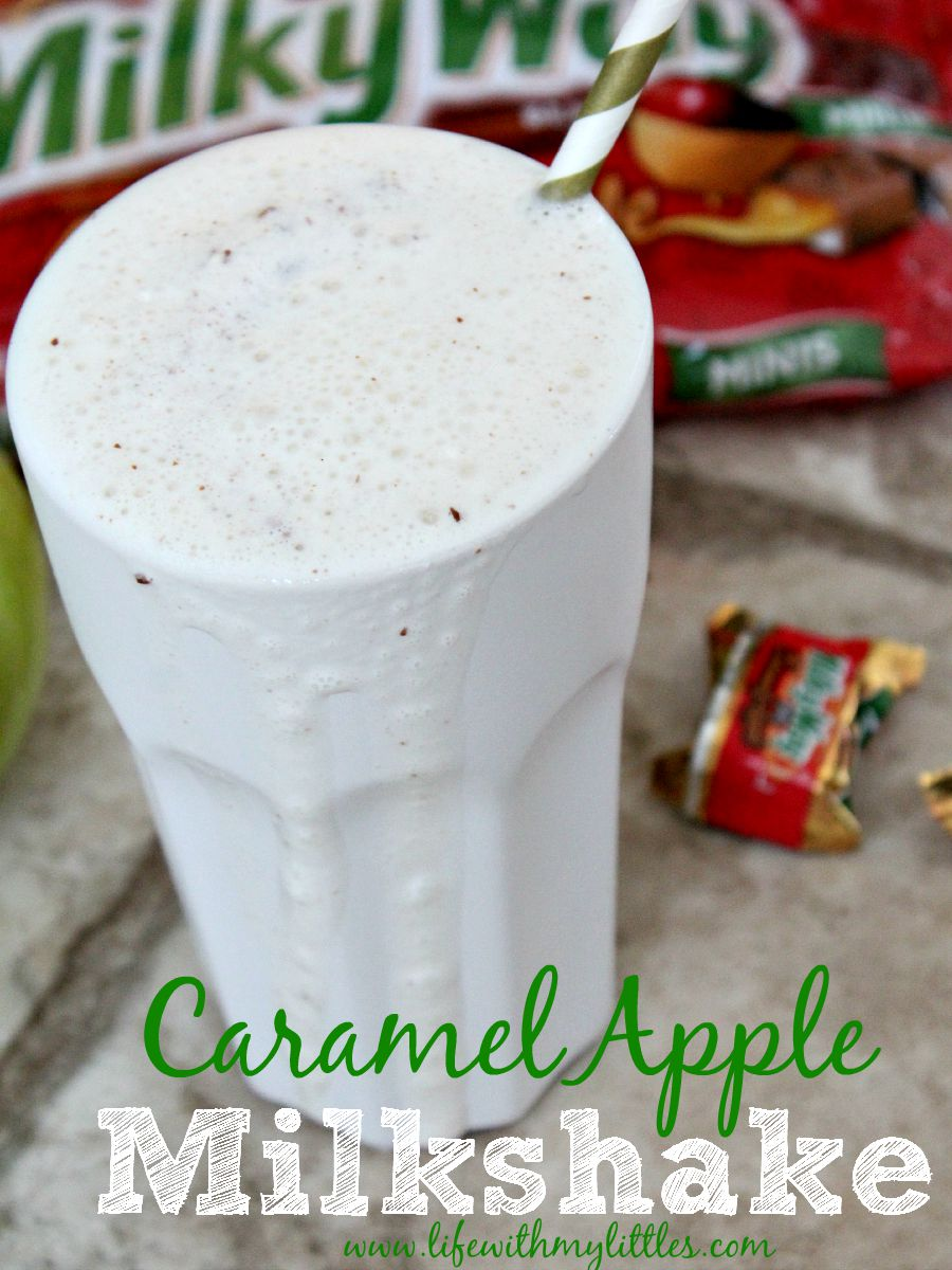 Caramel apple milkshakes are the perfect dessert to welcome fall! Hello sweater weather!