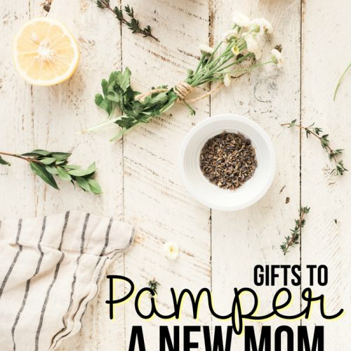 Being a new mom is exhausting, and sometimes you forget to pamper yourself! Here's a great gift list of things you can give to pamper a new mom in the rough postpartum period.