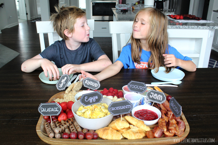 Serving a breakfast charcuterie board is such a fun way to celebrate your child's first day of school! And with these cute school-themed DIY labels that you can make in a few minutes with a Cricut machine, the first day of school will get off to a great start!